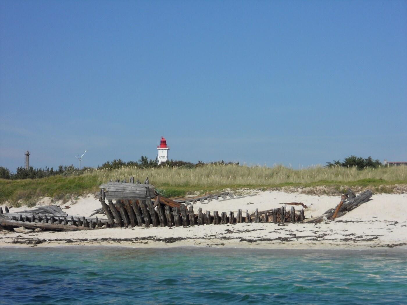 ile penfret phare archipel glenan bretagne