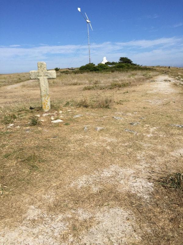 ile saint nicolas glenan croix balade pedestre ile eolienne energie renouvelable