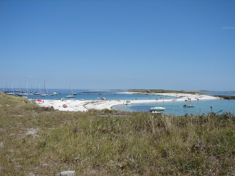 ile saint nicolas tombolo archipel glenan langue sable blanc