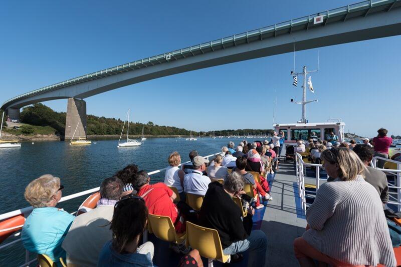 passagers vedettes odet pont superieur croisiere commentee riviere benodet