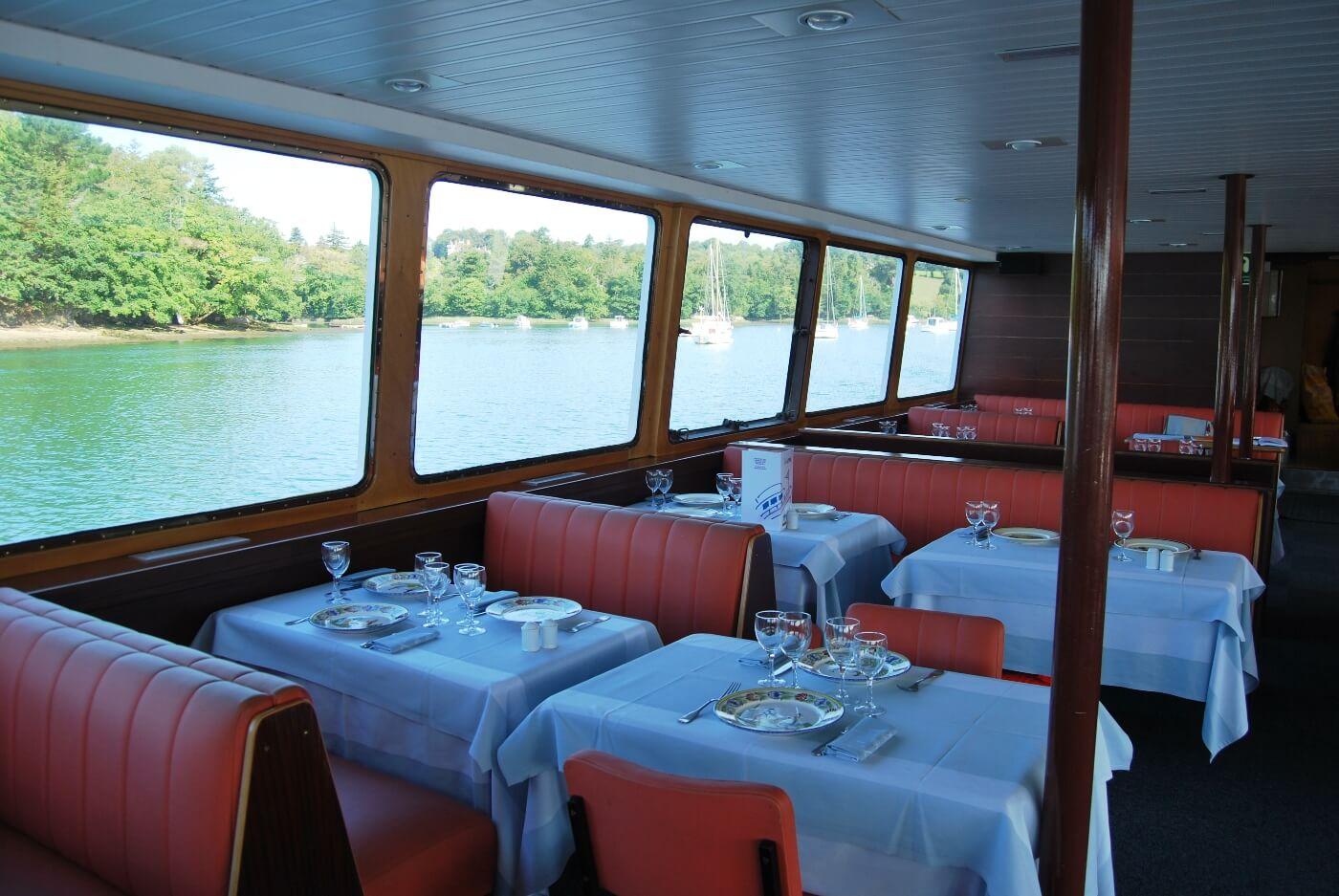 salle bateau restaurant aigrette benodet riviere odet