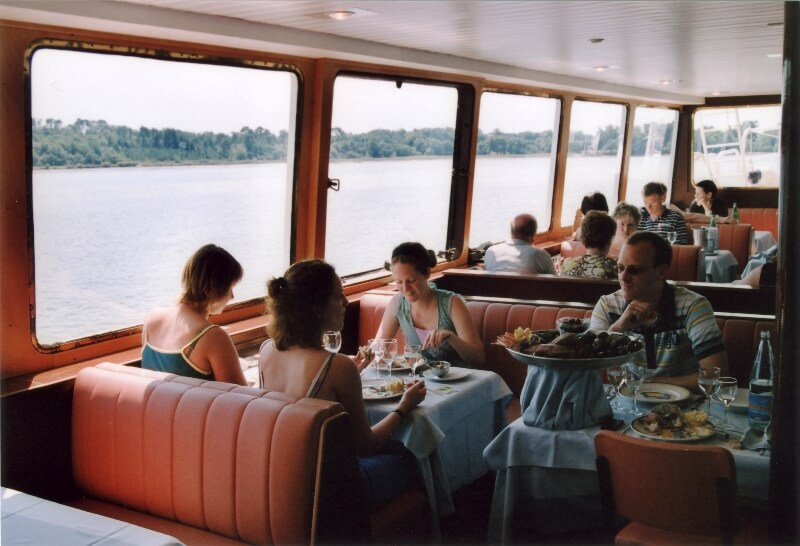 bateau restaurant aigrette benodet riviere odet plateau fruits mer passagers