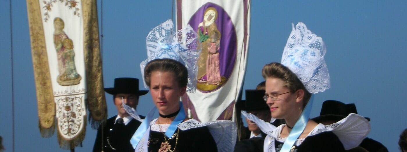 pardon iles glenan procession